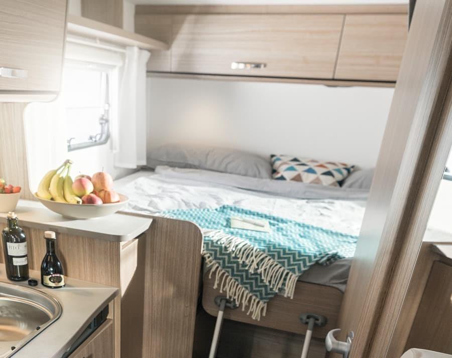 Interior camper autocaravana Carado V337
