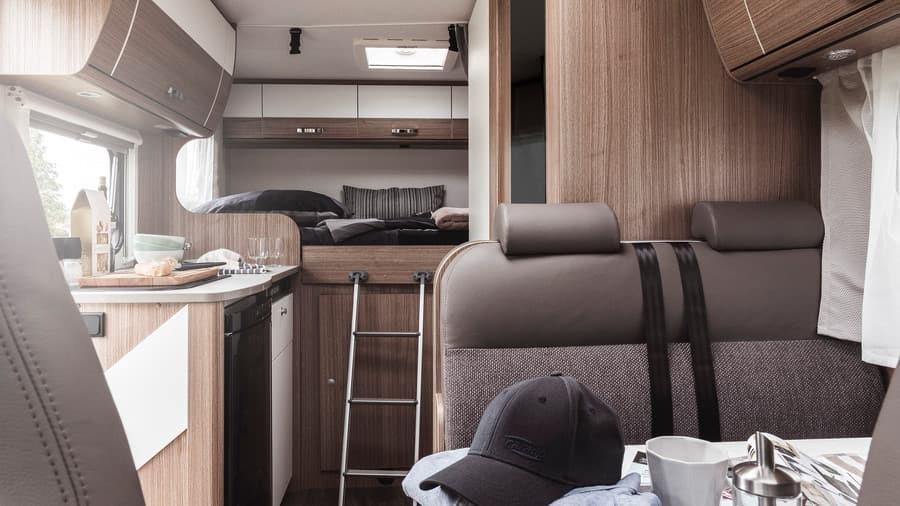 Interior Camper autocaravana Carado V132